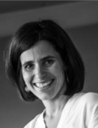 A. Cecília Afonso Roque (Universidade Nova de Lisboa, Portugal)